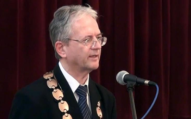 Komárom polgármestere menesztette az egyik alpolgármestert