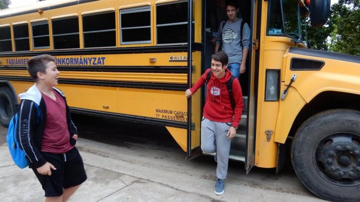 Kinek kell az iskolabusz?