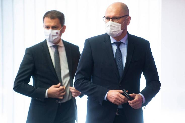 """""""Fétist csináltunk a koronavírus elleni harcból"""" - Matovičot kritizálta az autóból Sulík"""