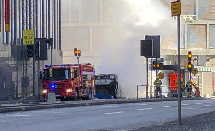 Felrobbant és kigyulladt egy busz Stockholmban