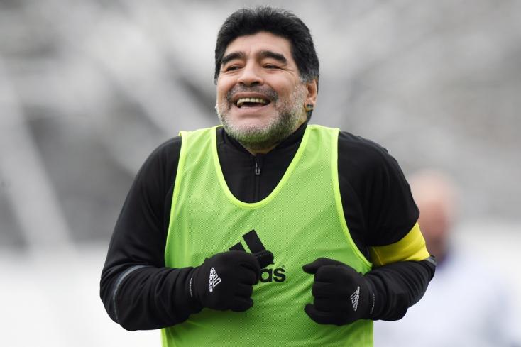 Maradona támogatja a 48 csapatos foci-vb-t