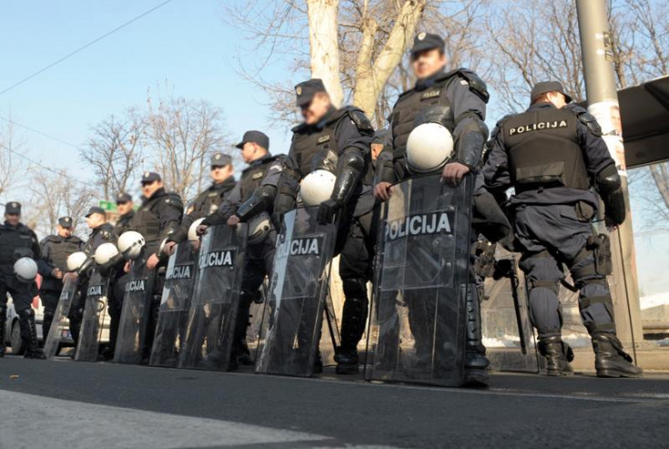 Eszméletlen biofarm: négyezer kiló fűre tenyerelt rá a szerb rendőrség