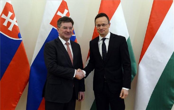 Annyira jók a szlovák-magyar kapcsolatok, hogy már majdnem mindenről lehet tárgyalni