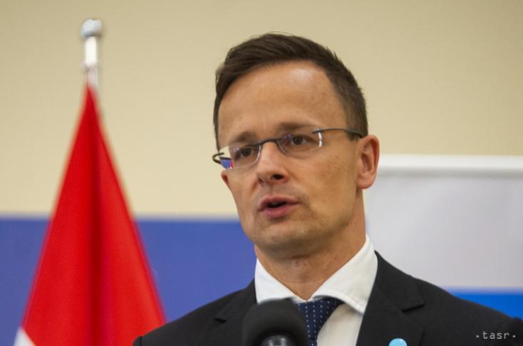 Szijjártó: Számíthatnak a magyar kormány támogatására a szlovákiai magyarok
