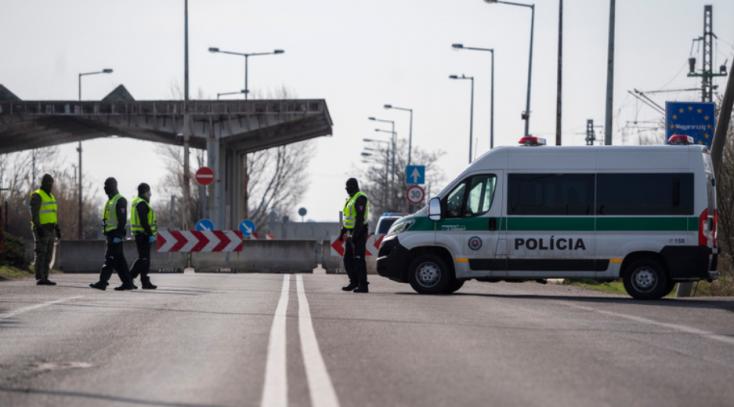 Még az utazás előtt regisztrálniuk kell magukat a külföldről hazaérkező szlovák állampolgároknak