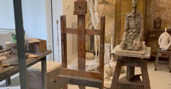 Botrány: hamisított szobrokat állítottak ki