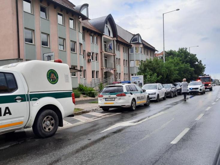 Kiürítették a dunaszerdahelyi Szociális Biztosító épületét