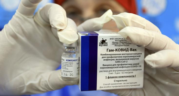 Meglepő, hogy melyik korosztály érdeklődik leginkább az orosz vakcina iránt