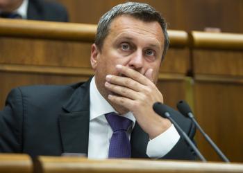 """""""Hazug, mocsok, buzeráns vagy!"""" - Kiabálta Danko Matovičnak"""