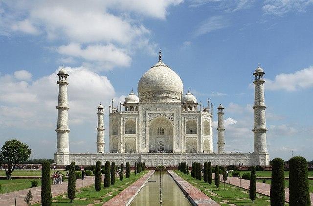 Korlátozzák a hazai látogatók számát a Tádzs Mahalnál