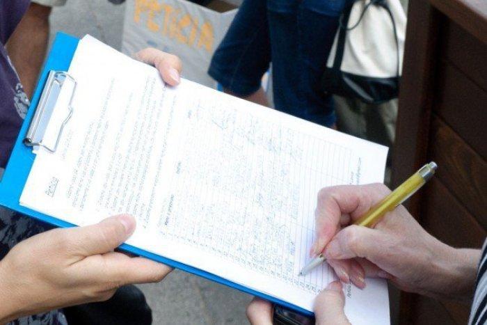 12 új politikai pártot hoznának létre, 10 ezer aláírást kell begyűjteniük hozzá