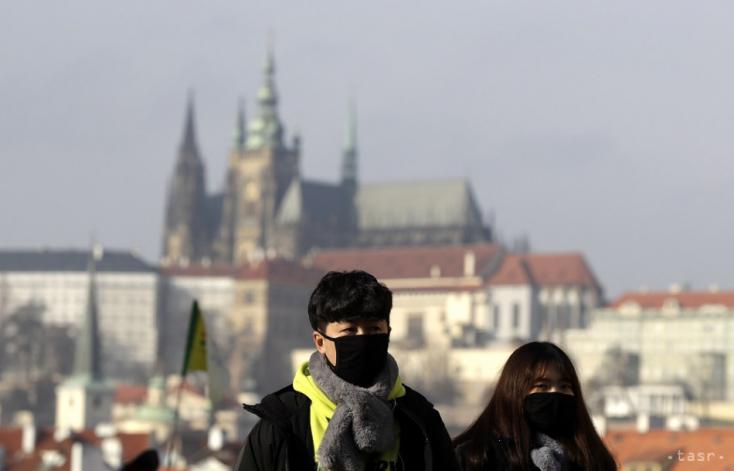 Csehországbanújra felgyorsult a járvány, közel tíz százalékkal nőtt a fertőzöttek száma egy nap alatt