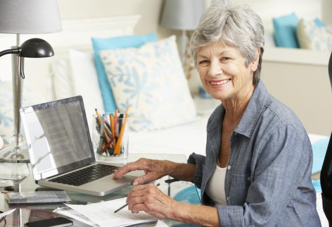 Sok nyugdíjas az interneten árulja rezsiutalványait, mert nem tudnak mit kezdeni vele