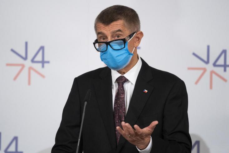 A cseh kormányfő köszönetet mondott Szlovákiának a szolidáris hozzáállásáért