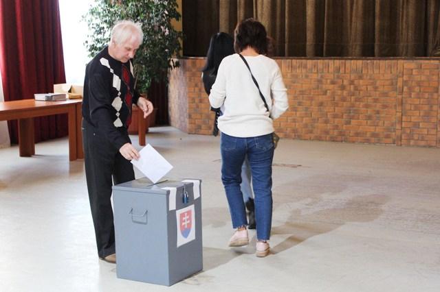 Hodosban semmi gond, érkeznek a szavazók