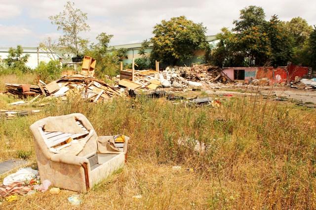 Kirakták a romákat, ledöntötték a házat