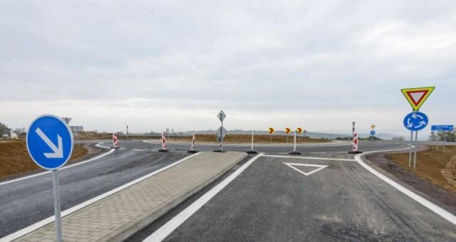 A közlekedési minisztérium, a megye és a települések közös érdeke a közlekedési infrastruktúra felépítése