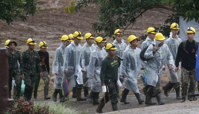 Kimentették az utolsó gyereket és az edzőt a thaiföldi barlangból