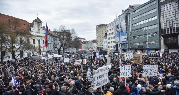 Forgalomkorlátozás lesz Pozsony központjában a tüntetés miatt