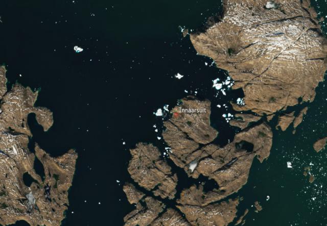 A grönlandi falut fenyegető jéghegy az űrből is látható