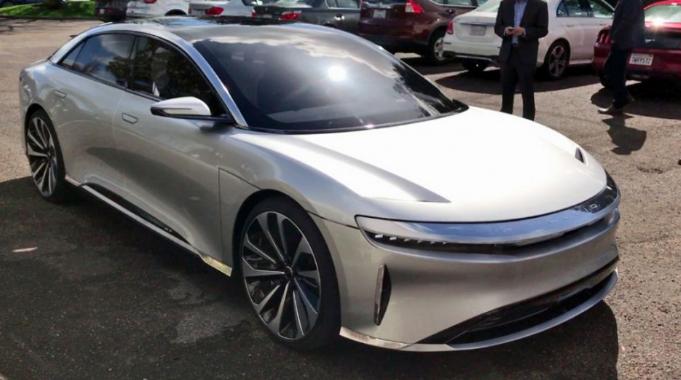 Elektromos autót vásárol Rozsnyó városa