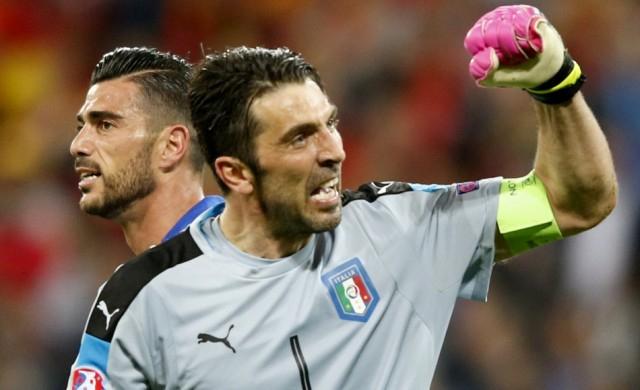 Buffon visszatért az olasz labdarúgó-válogatottba
