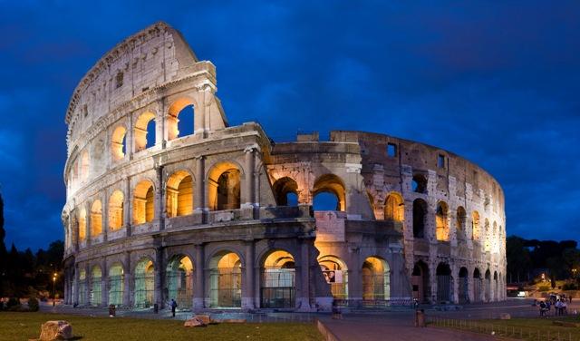 A Gladiátort vetítik a római Colosseumban