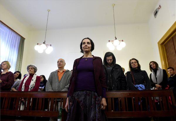 Enyhítettek Geréb Ágnes szülésznő büntetésén