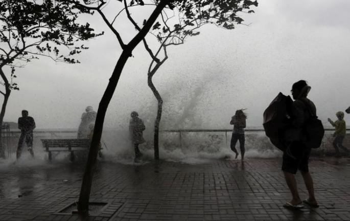 Elérte Japán partjait az utóbbi 25 év legerősebb tájfunja