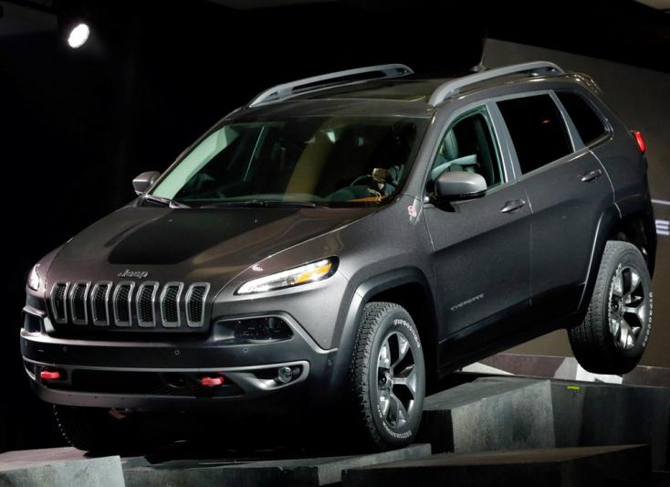 HACKEREK: Kilométerekről vették át az irányítást egy úton haladó Jeep Cheerokee felett!