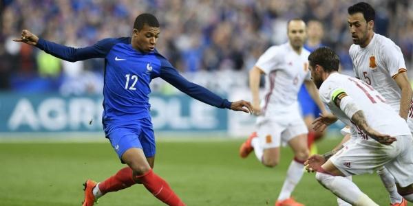 1,7 milliárd euró a pályán a francia-belga elődöntőben