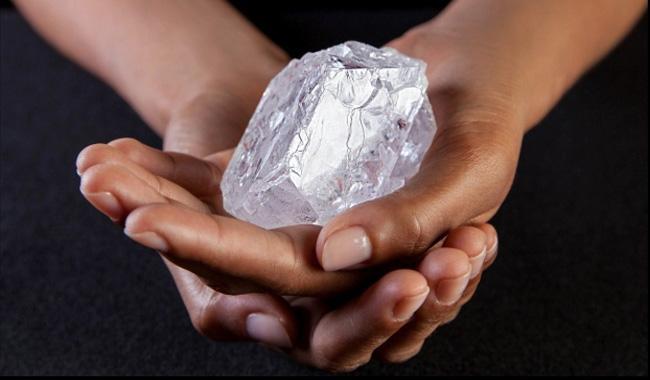6,5 millió dollárért kelt el az óriásgyémánt