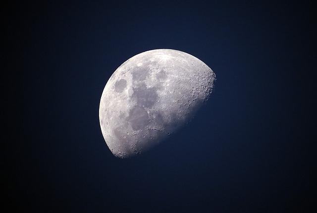 Felvételeket küldött a Hold nem látható oldaláról a Csang'o-4 kínai űrszonda (VIDEÓ)