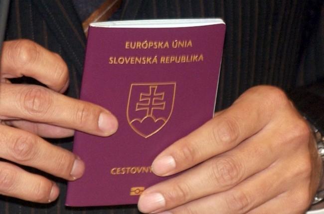 Eddig 1826 személynek kellett visszaadnia szlovák útlevelét