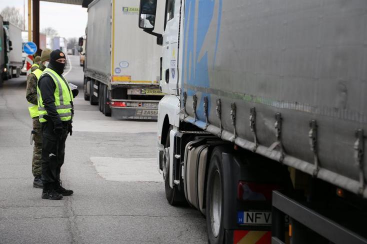 Négy további szlovák-magyar határátkelőn kap zöldet a teherforgalom