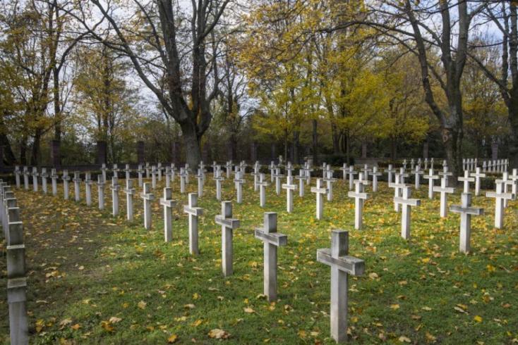 A román védelmi tárca átvenné a magyar katonák sírheléyül is szolgálóÚzvölgyi katonatemető gondozását