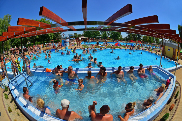 3,5 milliós forgalommal, 410 ezer látogatóval hasított tavaly a dunaszerdahelyi termálfürdő