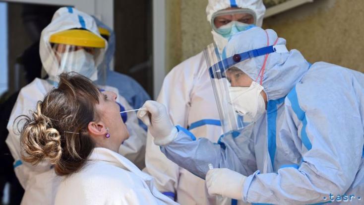 KORONAVÍRUS: Megugrott a kórházban kezelt páciensek száma, közel ötszáz új fertőzött, ketten meghaltak