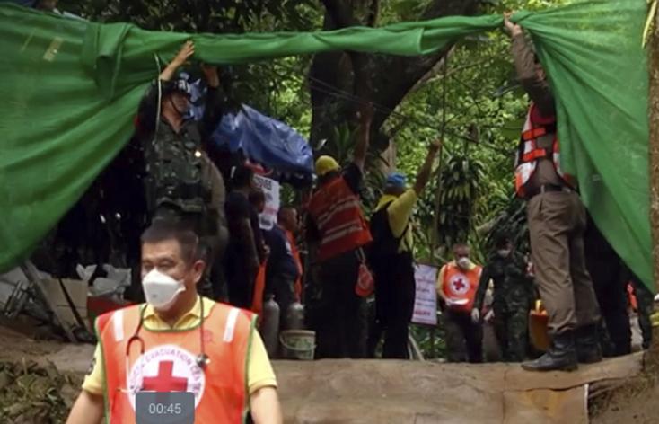 Hétfőn már a negyedik gyereket mentették ki a barlangból