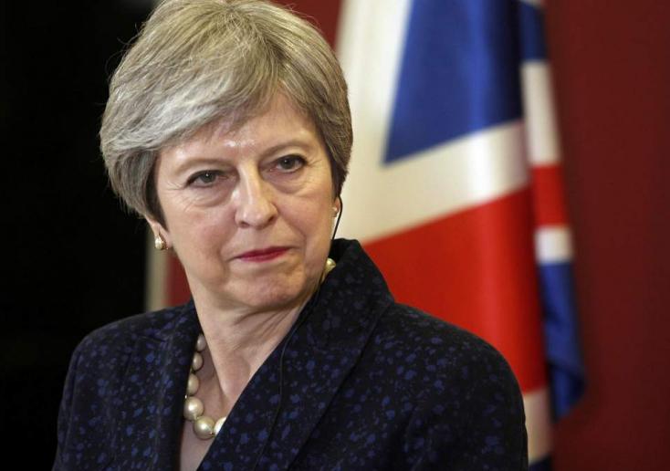 A britek július végéig kiléphetnek az Európai Unióból