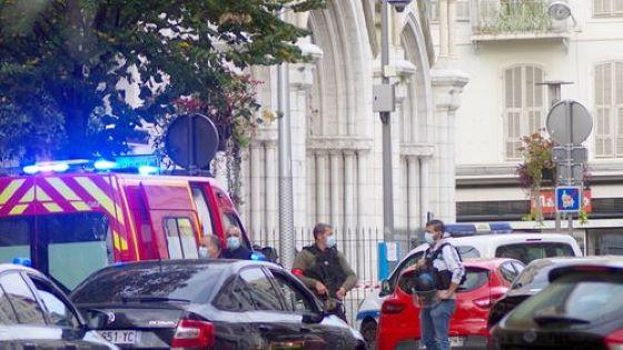 Elítélte a nizzai késeléses merényletet a francia katolikus egyház és több külföldi vezető