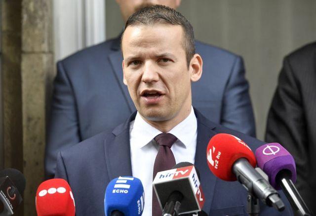 Kizárták a Jobbikból Toroczkai Lászlót