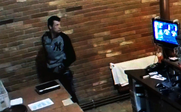 Rendőrség keresi a képen látható tolvajt