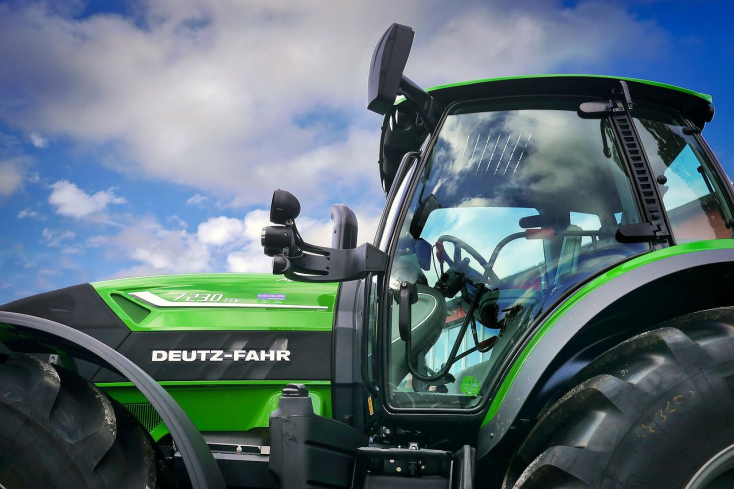 Több mint 100 traktorral vonulnak fel a tiltakozó csallóközi gazdák a 63-as főúton!