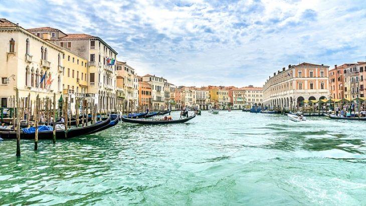 Egy tartomány kivételével egész Olaszországban feloldották a korlátozásokat