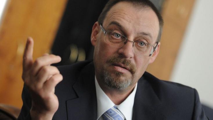 A NAKA őrizetbe vette az egykori főügyészt, Dobroslav Trnkát!