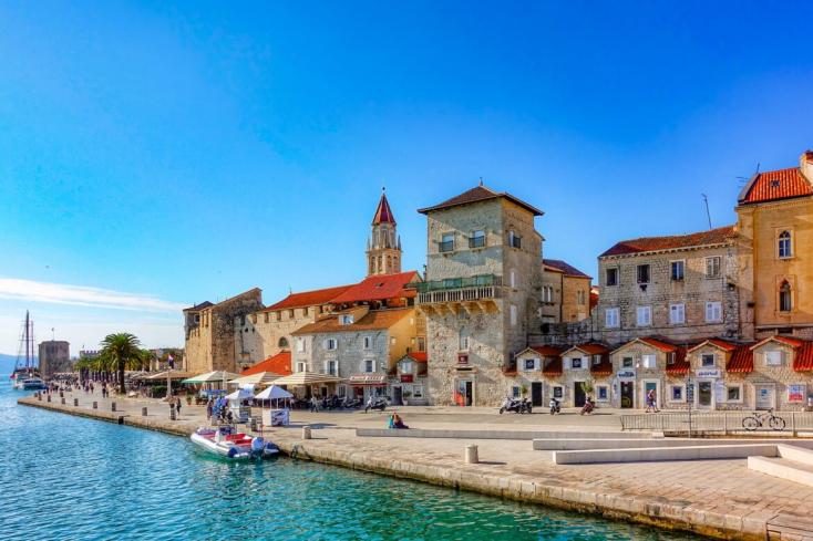 Kilenc másik EU-tagállammal együtt mi is újból korlátlanul utazhatunk Horvátországba!