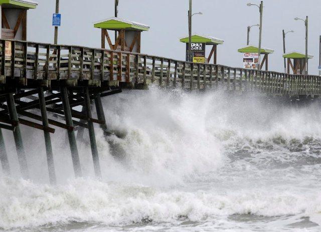 Elérte a partot a Florence hurrikán Észak-Karolinában