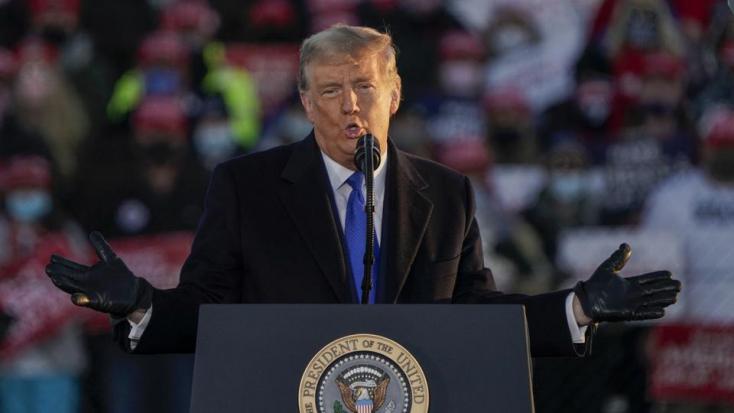Meghekkelték Donald Trump hivatalos honlapját, a támadók kriptovalutát kértek a bizalmasinformációkért