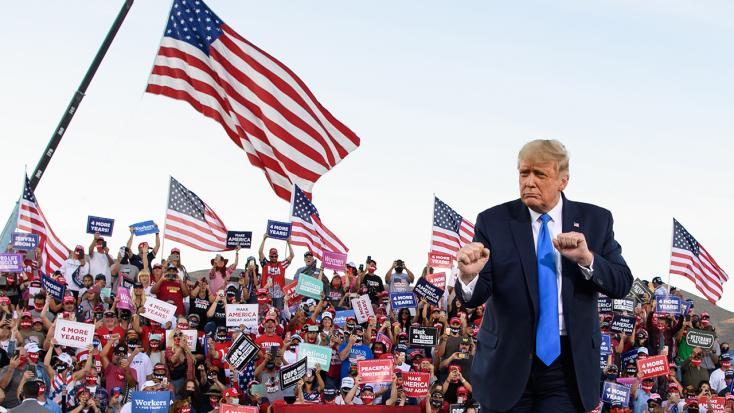 Rekordokat dönt Trump kampányrendezvényen előadott táncának nézettsége - VIDEÓ